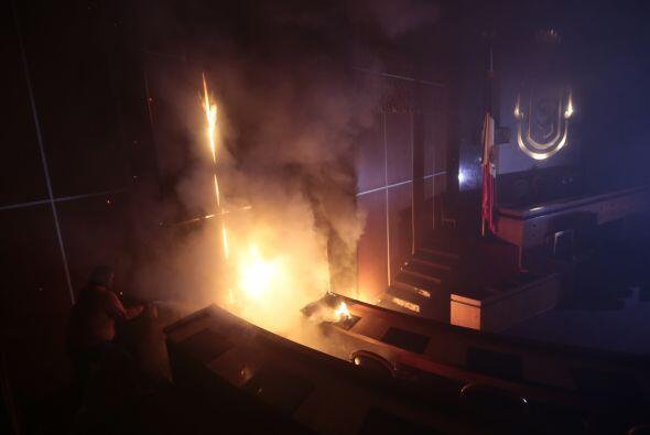 Aunque el fuego no se propagó por todo el edificio, los daños fueron cua...