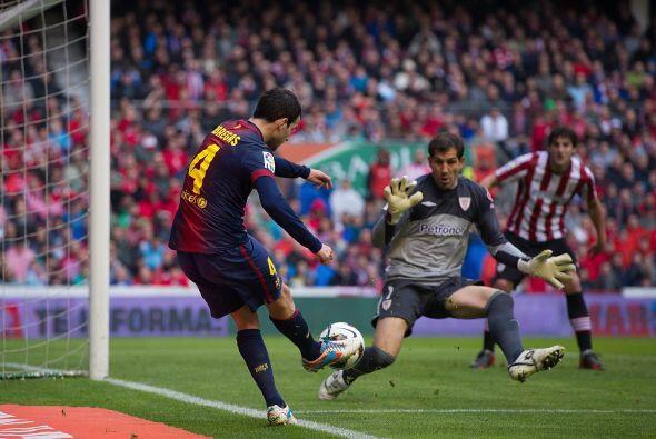 Cesc Fábregas condujo al equipo hasta la entrada de Messi.