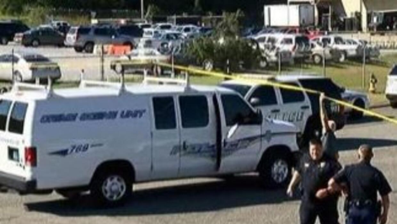 Las autoridades llegaron al lugar del incidente. Foto tomada de Twitter.