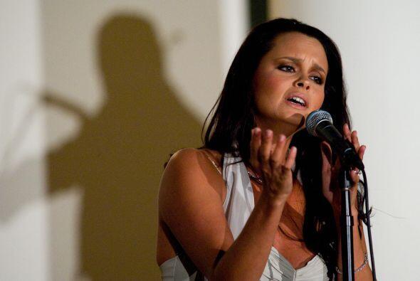 Shaila Dúrcal cantando en mayo de 2008. Mira aquí más videos de Chismes.