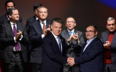 """Tras el triunfo del """"no"""" en el plebiscito, gobierno de Colombia y las FA..."""