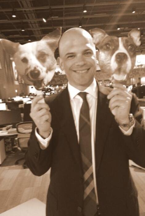 El doctor Juan Rivera, corresponsal médico principal del noticiero Univi...