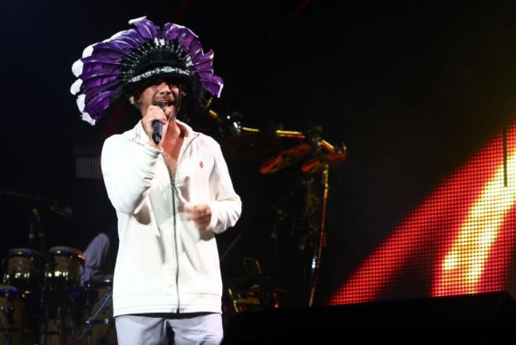 1.- Jay Kay: En sus conciertos, el vocalista de Jamiroquai pone a bailar...