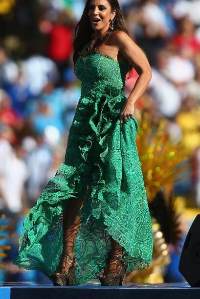 Enseguida salió la cantante Ivete Sangalo. Mira aquí los v...