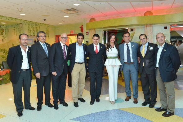 """César Conde -presidente de las cadenas de Univision-, Alberto Ciurana """"p..."""