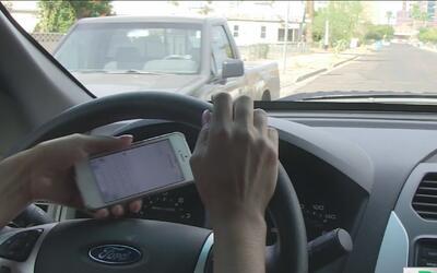 Avanza propuesta de ley que busca impedir a adolescentes textear al volante