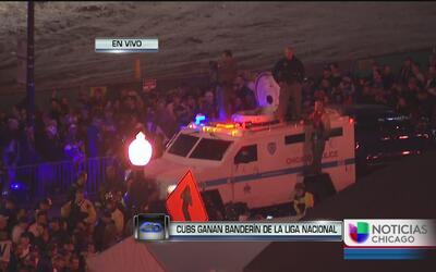 Fuertes medidas de seguridad fuera del estadio del Wrigley Field
