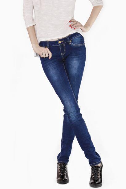 Jeans básicos. ¡Todos los adolescentes necesitan un buen pa...