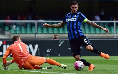 Mauro Icardi anota el gol del Inter ante Chievo