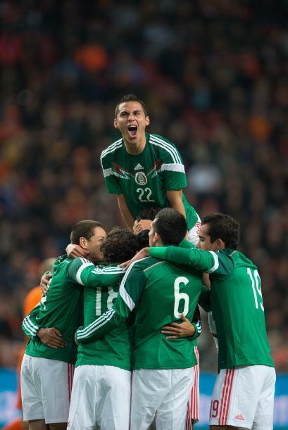 22 Paul Aguilar: Sufrió como lo hizo toda la defensa mexicana a l...
