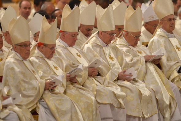 - 150: los cardenales que concelebrarán la misa.