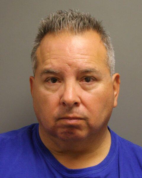 Los arrestados son: Richard René Rivera- Patrullero estatal del Departam...