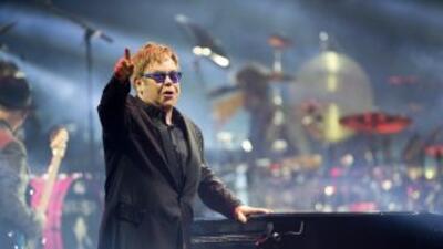 Parece que Elton ha destronado a Britney Spears y él es hasta ahora el q...