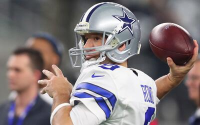 El mariscal de campo de los Dallas Cowboys, Tony Romo, anuncia su retiro
