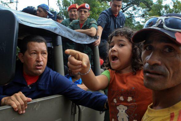 Las medidas se toman una semana después del anuncio de Chávez de la expr...