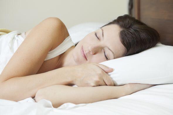 'Do': dormir. Respeta las ocho horas de descanso. Mientras duermes, las...