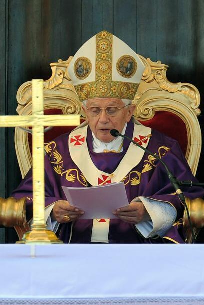 SEPTIEMBRE DE 2010: Benedicto XVI viajó al Reino Unido, donde vis...