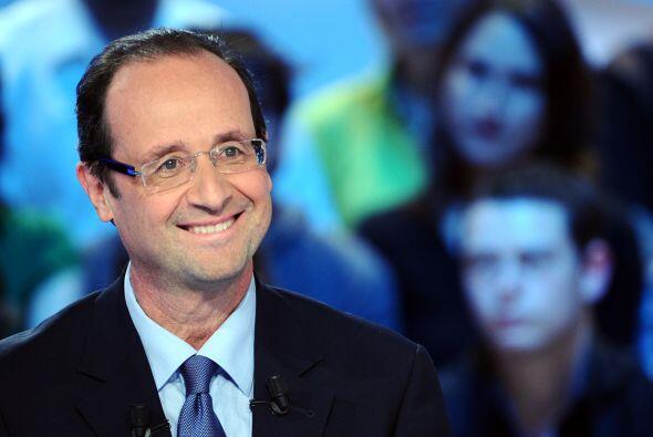 6 de mayo. El socialista Francois Hollande derrota en las urnas al presi...