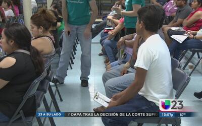 Se reúnen para resolver dudas de inmigrantes en torno a DACA y DAPA