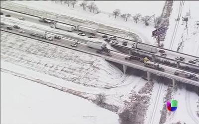 Tormenta invernal golpea con crudeza desde Texas hasta Tennessee