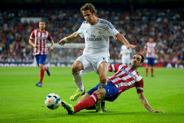 Los laterales del Real Madrid, con Arbeloa y Coentrato, fueron infecient...