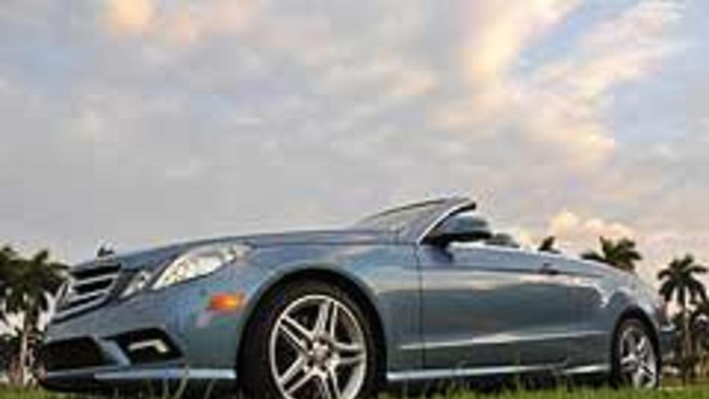 Mercedes-Benz E550 Convertible 2011 c821e7ed2c9246ff95d9f70b4ee37536.jpg