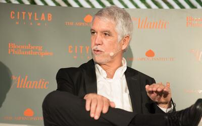Enrique Peñalosa, alcalde de Bogotá, durante la conferenci...