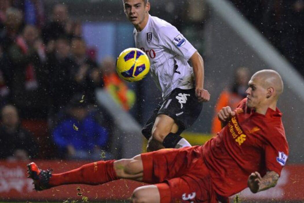El jugador del Liverpool también lució en el duelo con Fulham.