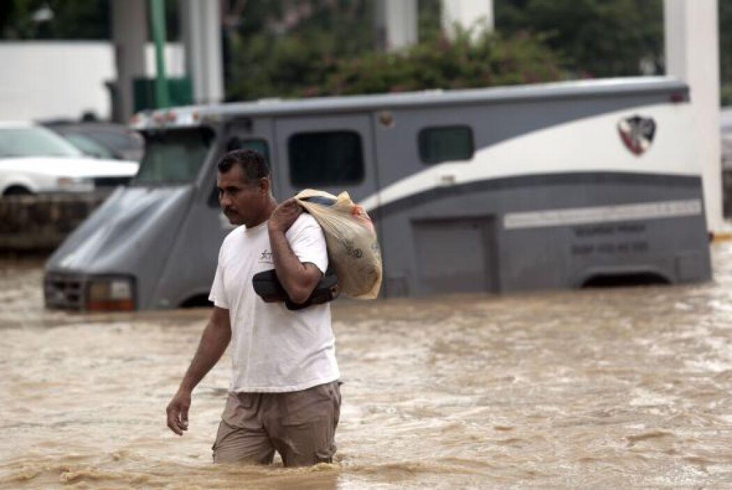 El huracán Ingrid llegó por el Golfo de México; la tormenta tropical Man...