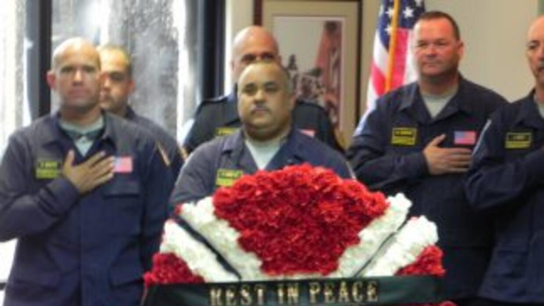 Bomberos de Miami-Dade le rinden tributo a las víctimas del 11 de Septi...