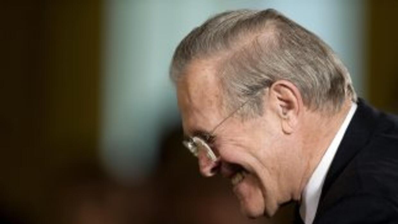 Donald Rumsfeld fue secretario de Defensa durante la presidencia de Geor...