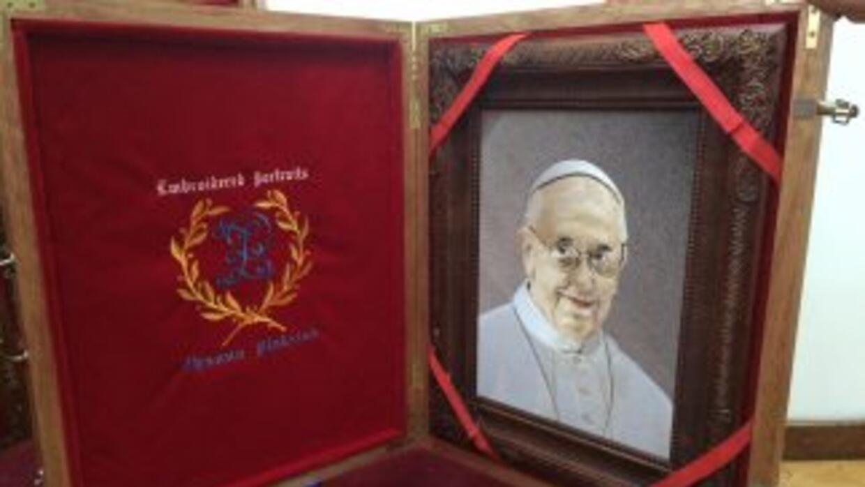 Los regalos al papa Francisco.