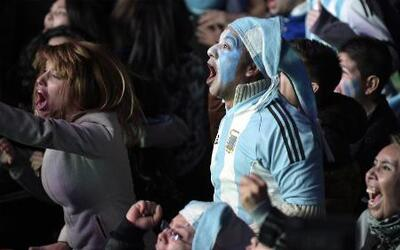 Buenos Aires estalla de alegría por el triunfo albiceleste