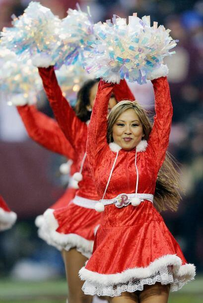 A mediados de diciembre la NFL ya tiene toda la actitud navideña con las...