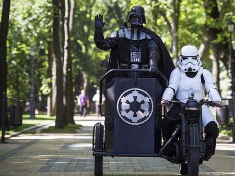 Darth Vader es candidato a alcalde de Kiev y Odessa en las elecciones uc...
