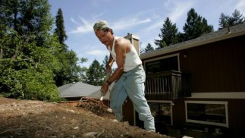 Un trabajador mexicano denunció a una empesa de cuidado de jardines en T...