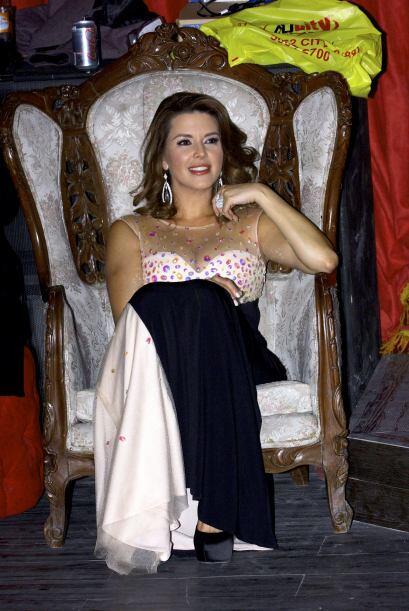 La actriz Alicia Machado presentó de manera oficial a los integra...