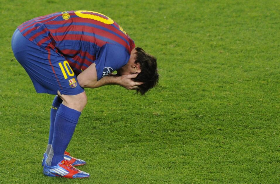 Messi y Suárez mantienen al Barcelona al acecho del Madrid GettyImages-1...