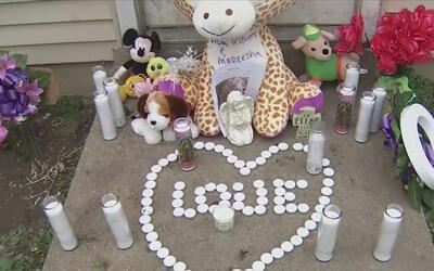 La comunidad de Joliet llevó a cabo una vigilia en memoria de la pequeña...