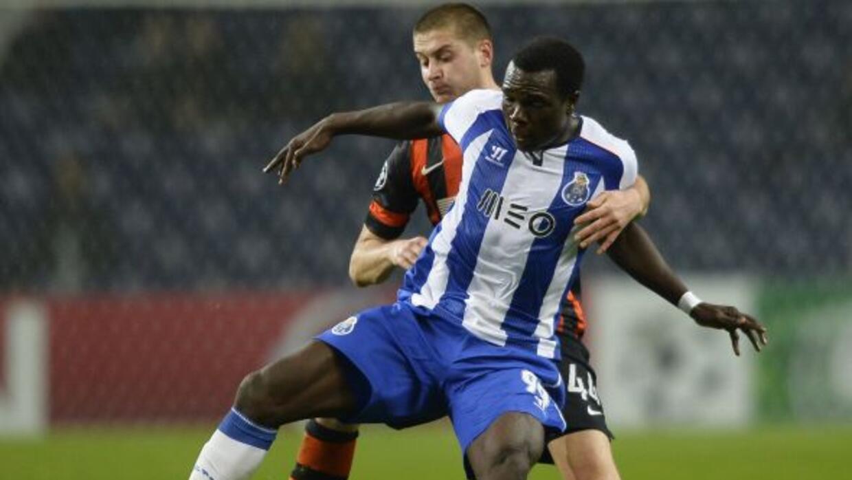 El club portugués clasificó como líder invicto tras empatar con Shakhtar.