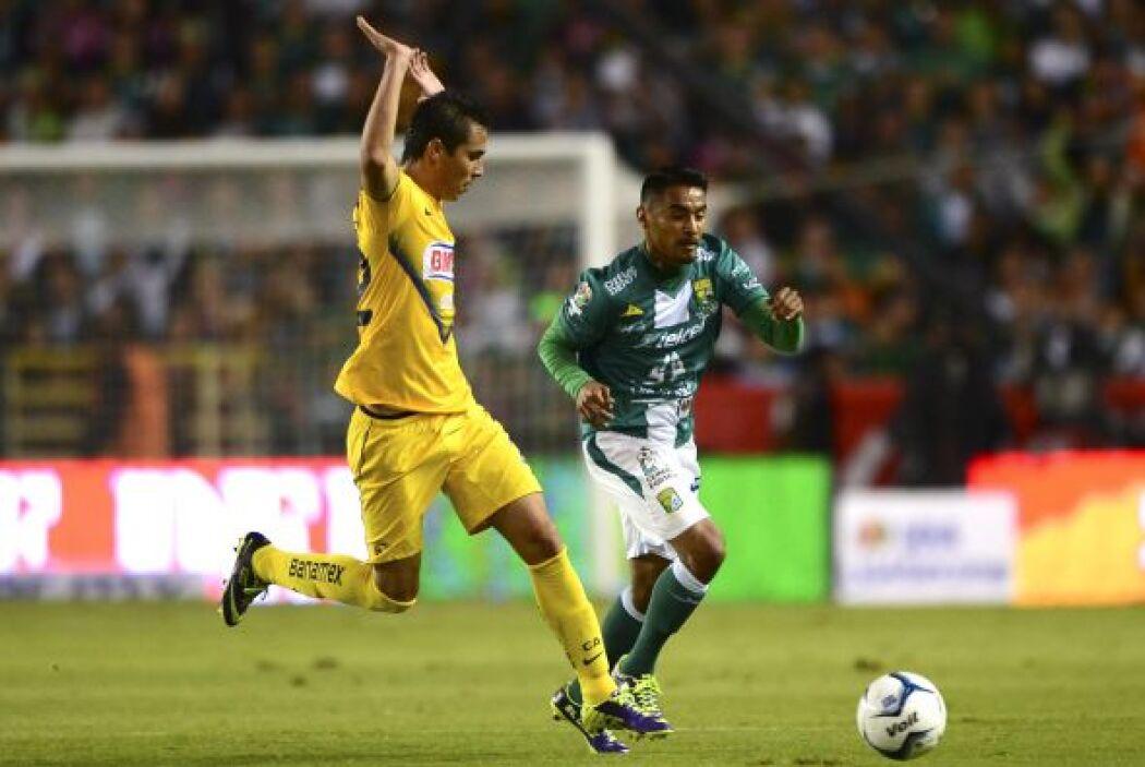León sacó ventaja de local 2-0 en la final del Apertura 2013 contra Amér...