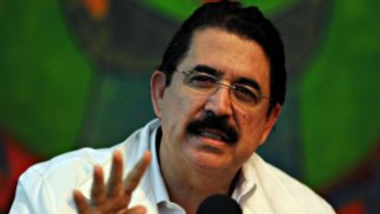 El mandatario derrocado de Honduras, Manuel Zelaya, pidió al actual pres...