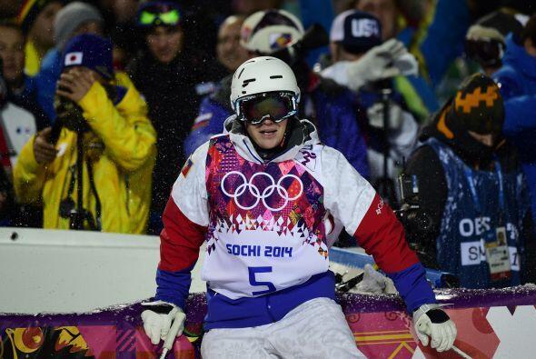 El ruso Alexandr Smyshlyaev reacciona así después de terminar en la terc...