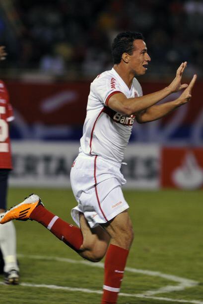 Leandro Damiao anotó el tercer gol del Inter que fluego ue reempl...