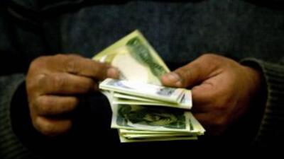 En AL se dió un aumento generalizado del salario durante 2008 y 2009 a p...