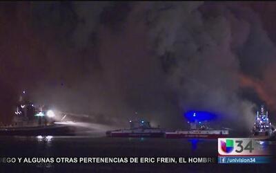 Puerto de Los Ángeles ardió en llamas
