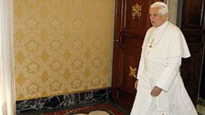 El Papa Benedicto XVI está en el ojo de la tormenta.