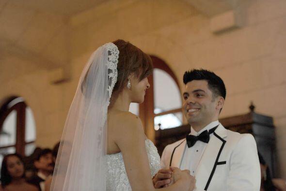La pareja unió sus vidas en una ceremonia amenizada por una alaba...