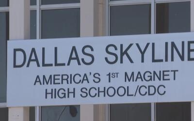 Secundaria Skyline de Dallas abre sus puertas para ofrecer programas pre...