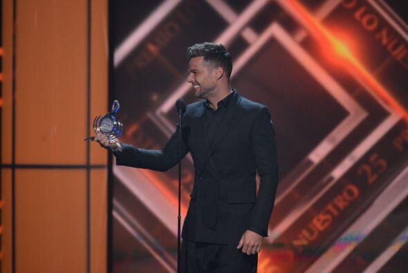 """""""Es un placer entregarle este premio a alguien a quien admiro mucho, Ale..."""